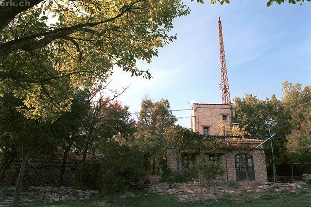 le studio de radio zinzine sur la colline de Limans